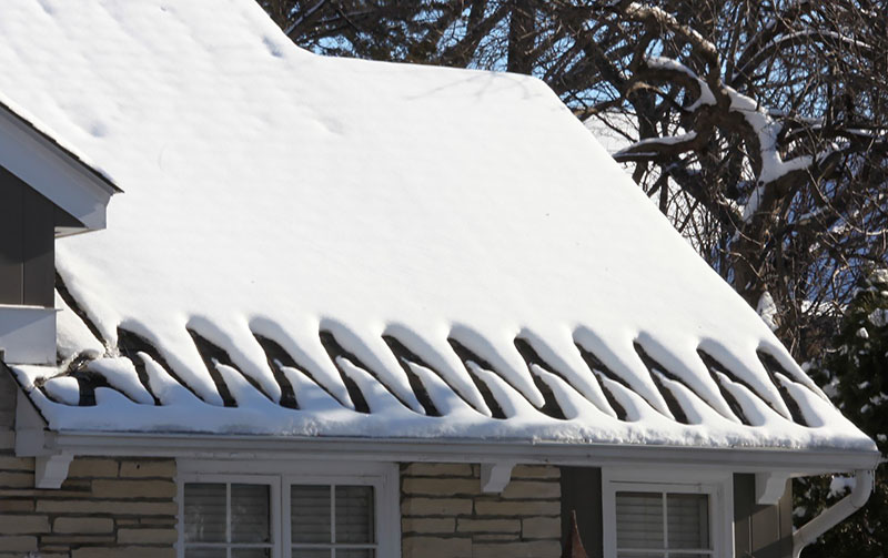 heat tape helps reduce ice dams
