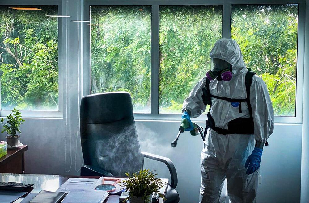 Disinfecting-virus-decontamination-professional